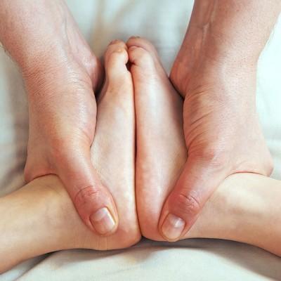 脚脱皮是怎么回事